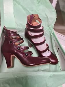 Miss L fire Tullaluh Burgundy Boots Size 5 leather in box