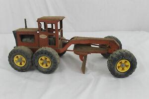 Vintage TONKA Red/Orange 6 Wheel Road Grader MR-970. Fresh from the Barn