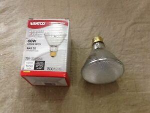 S2244 SATCO 60 WATT 120V PAR30 LONG NECK WIDE FLOOD HALOGEN LAMP