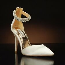$250 Badgley Mischka Flash bridal ivory satin pointed toe ankle strap pumps 8.5