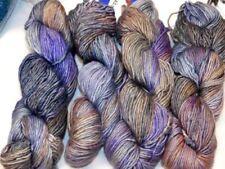 Lanas grises de madeja de lana