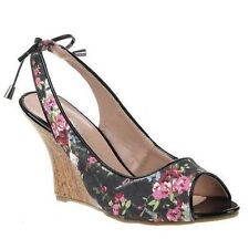 Women's Synthetic Leather Sandals in Floral Pattern