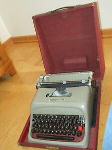 Olivetti Underwood Studio 44 Portable Typewriter W/ Hard Case (FF498)