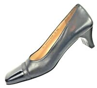 SALVATORE FERRAGAMO BOUTIQUE Women's Black Pumps Made in Italy Shoe Size 9 4A