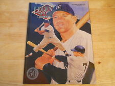 Mickey Mantle (NY Yankees) 1993 Legends Sports Memorabilia Magazine with cards