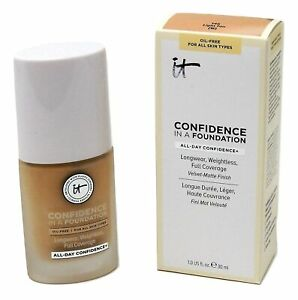 IT Cosmetics Confidence in a Foundation, Light Beige 125 (C)