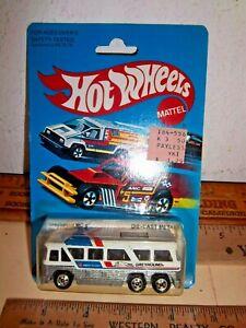 1981 HOT WHEELS GREYHOUND MC-8 BUS on CARD NO.1127