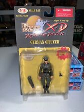 THE ULTIMATE SOLDIER X-D 1:18 GERMAN OFFICER SEALED WITH GUN AND ADDITIONAL ARM!