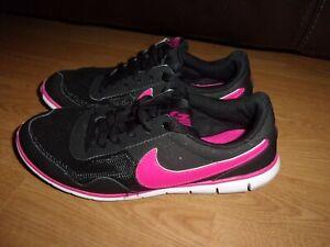 Nike Victoria Black & Pink ladies trainers size 5