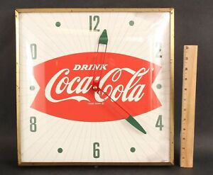 Authentic SWIHART 1960s Drink Coca-Cola Bubble Fishtail Advertising Sign Clock
