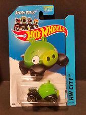 2014 Hot Wheels #081 HW City - Angry Birds - Minion Pig