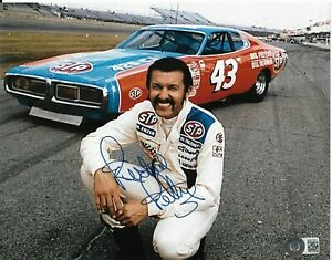 RICHARD PETTY SIGNED AUTOGRAPHED 8X10 PHOTO CARS NASCAR STP PLYMOUTH KING BAS B