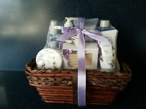 8 Pc Green Spa Canyon Baskets for Women Mothers Day Lavender Vanilla NEW