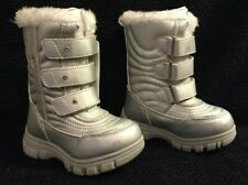 The Childrens Place Girls 7 Toddler Silver Insulated Winter Boots NWOB
