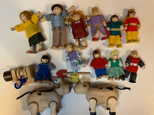 Wooden Dollhouse Figures Dolls Plan Toys Melissa And Doug Lot of 11 And 2 Cows