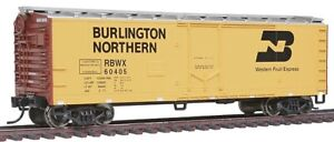 Walthers 910-1553 40' Plug Door Boxcar Burlington Northern RBWX #60405
