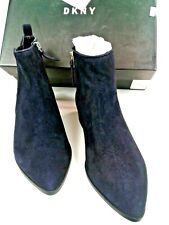 DKNY Womens Indigo Suede Ankle Boots With Side Zipper & Elastic Inset Size 5