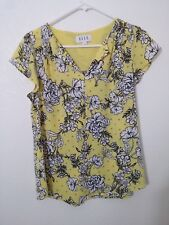 Elle short sleeve yellow and white floral top hi/low hem size small