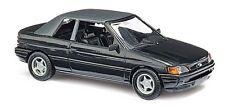 Busch 45702 Ford Escort Cabrio Modell 1991 geschlossenes Verdeck Schwarz 1:87