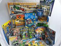 18 Teile Konvolut mit Spielwaren / Spielzeug Posten Paket mit 18 Artikeln in Ovp