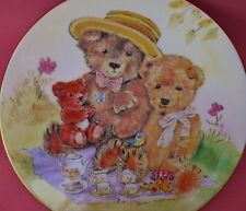 ROYAL WORCESTER PLATE TEDDY BEARS PICNIC DIANE MATTHES TEDDY FAMILY ALBUMS BOXED