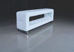 WONDERFUL SMALL STORAGE LEATHER BENCH DEPTH ONLY 30 CM IN LEATHER WHITE. 100 cm