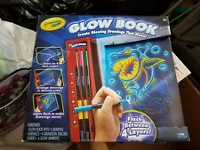 New Crayola Glow Book - create drawings that move!