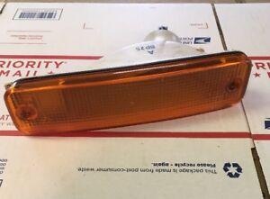 88 89 Honda Civic WAGON LEFT/DRIVERS Bumper Light Turn Signal Front OEM