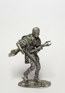 Tin soldier, figure. Preservation of the Eagle of Legio XII, 54 mm