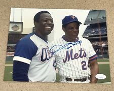 HOF WILLIE MAYS W/HANK AARON SIGNED AUTOGRAPHED 8X10 PHOTO METS JSA CERTIFIED