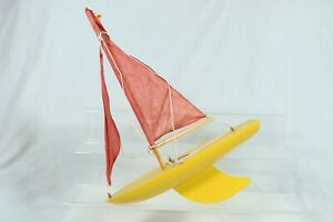 Vintage Bounty Yacht Pond Yacht Yellow Red