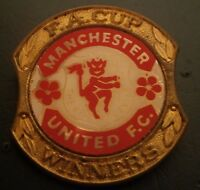 Manchester United Fa Cup Winners Insert Football Brooch Pin Badge