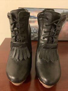TSUBO Black Platform Leather Women's Bootie Size USA 6.5