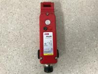 Abb 2TLA050013R2032 MKey8M Guard Locking Switch D Cast NEW