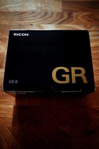RICOH GR II 16.2 MP Digital Camera NEW - RICOHGR2 2 zwei two GRII GR2 RicohGRII