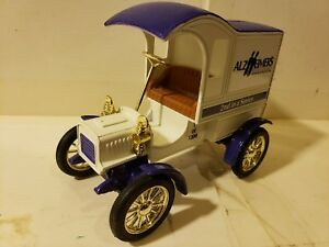 Ertl Ford 1905 Delivery Car Alzheimer's 1:25 Scale Die Cast 9591