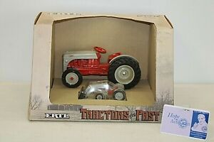NEW ERTL Tractors of the Past Ford 8N Tractors & Loader 1987 1:16 / 1:43