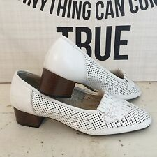 ALL LEATHER Vintage Shoes Stacked Heel with Fringe ~ WHITE