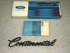 1975 1976 LINCOLN CONTINENTAL QUARTER PANEL NAMEPLATE W/HARDWARE NOS FORD