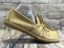 white deerskin hand crafted soft sole lace up loafers from Canada Womens 9