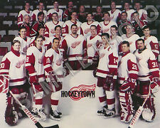 1996-97 DETROIT RED WINGS HOCKEY STANLEY CUP CHAMPIONS 8X10 TEAM PHOTO #2