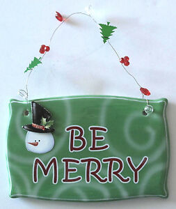 Green Christmas Ceramic Sign Plaque Wall Decor: BE MERRY