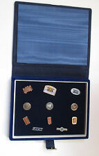 coffret velours de 11 pin's automobile Fiat (anciens logos)