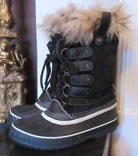 Rain boots Fur trim lace up faux suede duck winter boots black sz 7.5M