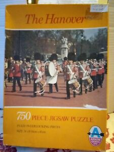 Arrow London Grenadier Guards Band Jigsaw Puzzle 750 piece COMPLETE Parade