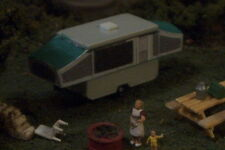 Popup CAMPER Popped up ! N Scale vehicle GREEN