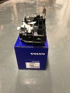 VOLVO NEW AND GENUINE  FRONT DOOR LOCK   V40   PASSENGER (LEFT) SIDE   31440391