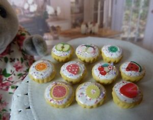 SYLVANIAN FAMILIES HANDMADE FOOD * 10 X FROSTED FRUIT CUPCAKES * COMBINED P+P