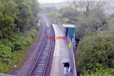 PHOTO  CWMBACH RAILWAY STATION GLAMORGAN 2004 GWR TV CARDIFF - ABERCYNON - ABERD