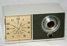 Vintage General Electric Ge Tube Alarm Clock Table Radio Am C2-409 White